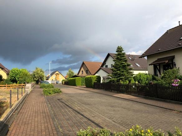 Regenbogen beim Abendspaziergang in meinem Wohngebiet