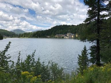 """Turracher See mit Blick zum """"Jägerwirt"""""""
