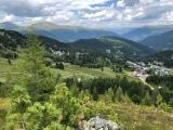 "Blick zur Maierbguggersiedlung mit Gasthof ""Alpenrose"""
