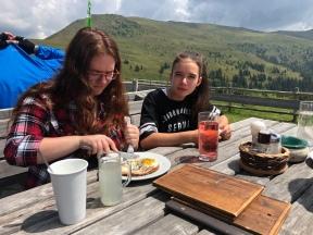 Mittag an der Millstätter Hütte