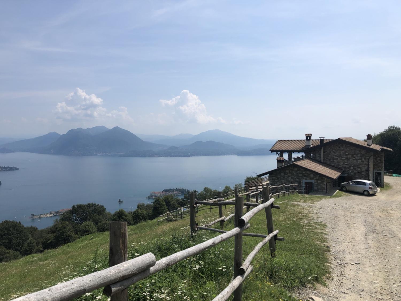 """Leider geschlossen, das """"l'Ordin"""", dennoch ein traumhafter Blick über den Lago"""
