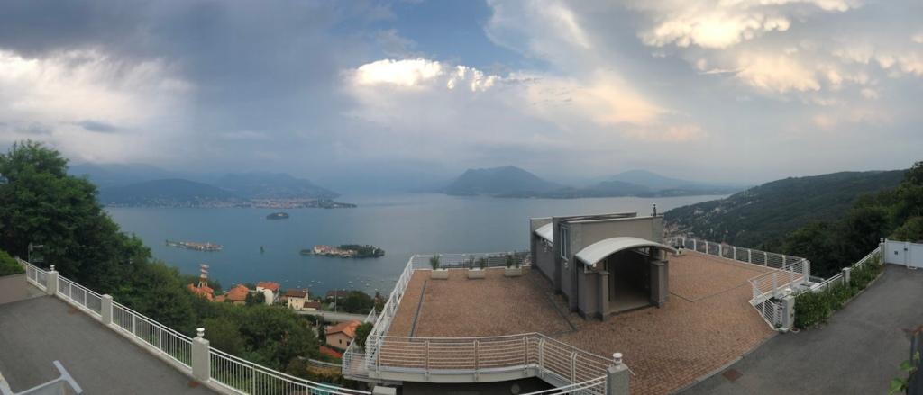 Gewitterstimmung über dem Lago Maggiore
